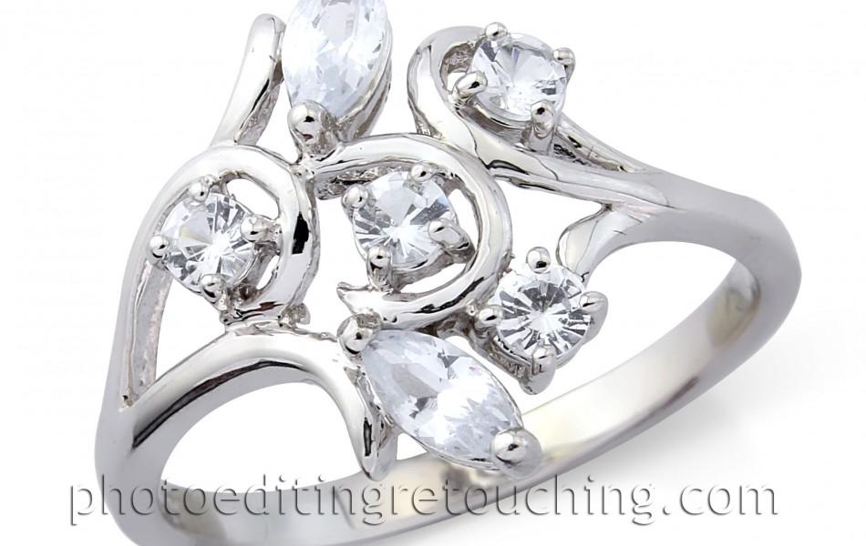jewelry-ring-diamonds-unretouched