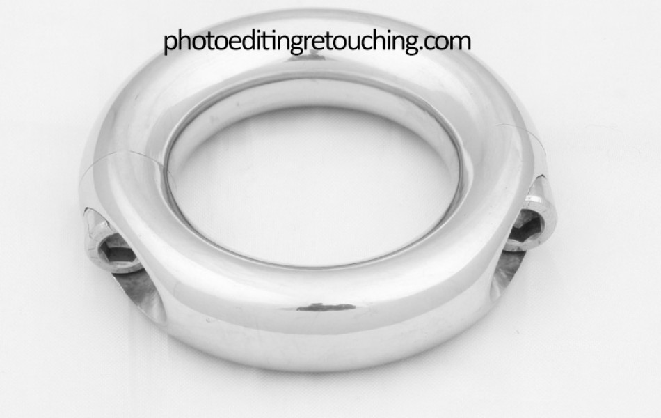 unretouched-silver-jewelry-item